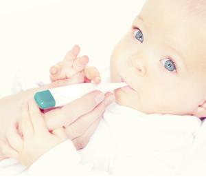 основные причины повышения температуры у младенцев