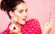 Как сохранить макияж летом?
