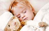 Почему ребенок плачет во сне?