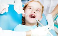 Когда вести ребенка к стоматологу?