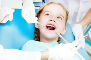 когда вести ребенка к стоматологу