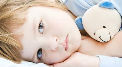 Как помочь ребенку перестать мочиться в постель?