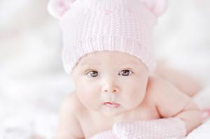 укладывание младенца на живот