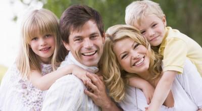 Эти 5 вещей родители должны делать перед своими детьми